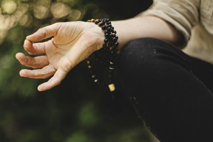 woman meditation - health benefits of meditation